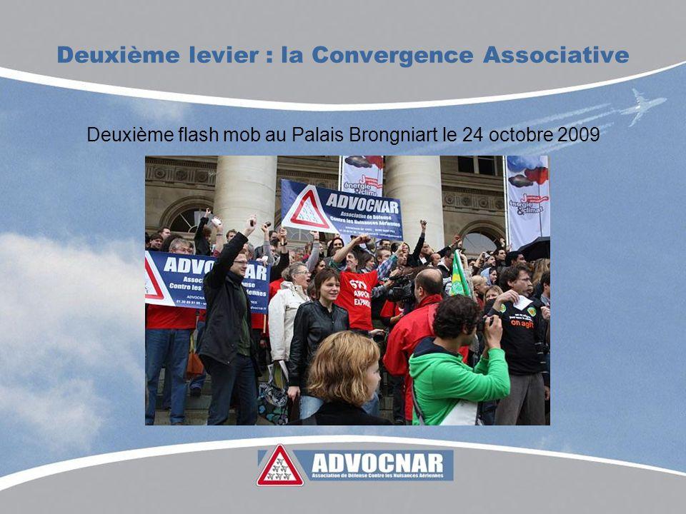 Deuxième levier : la Convergence Associative Deuxième flash mob au Palais Brongniart le 24 octobre 2009