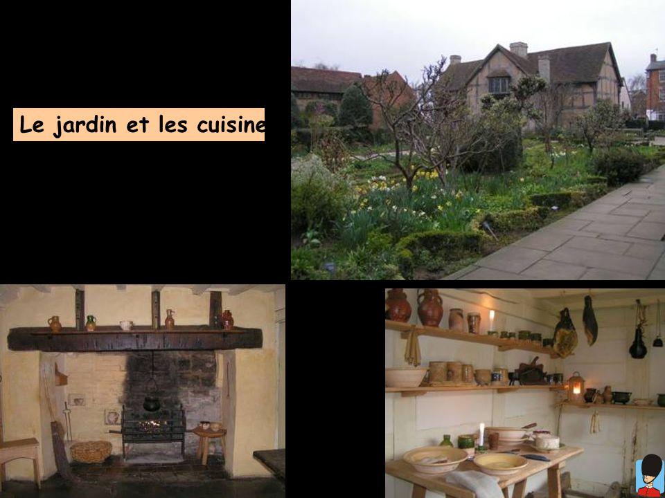 Le jardin et les cuisines...