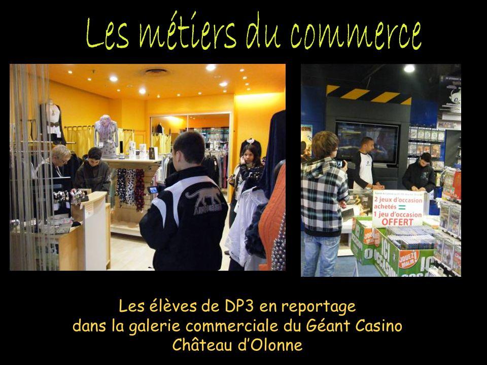 Les élèves de DP3 en reportage dans la galerie commerciale du Géant Casino Château dOlonne