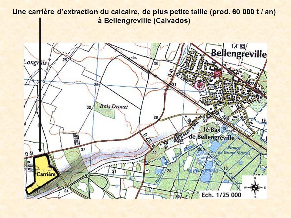 Une carrière dextraction du calcaire, de plus petite taille (prod. 60 000 t / an) à Bellengreville (Calvados)