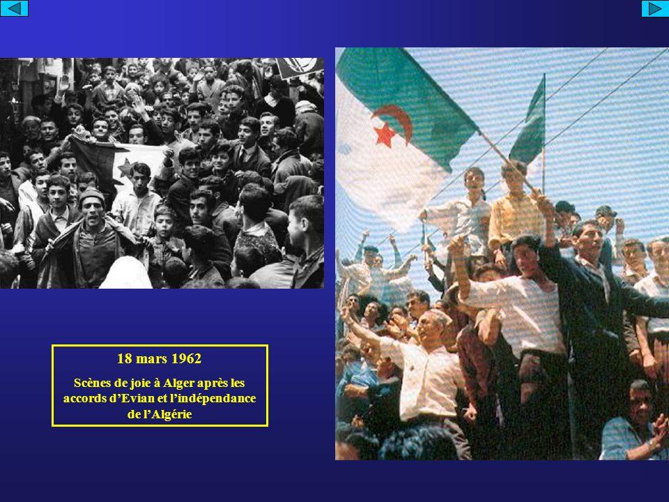 18 mars 1962 Scènes de joie à Alger après les accords dEvian et lindépendance de lAlgérie