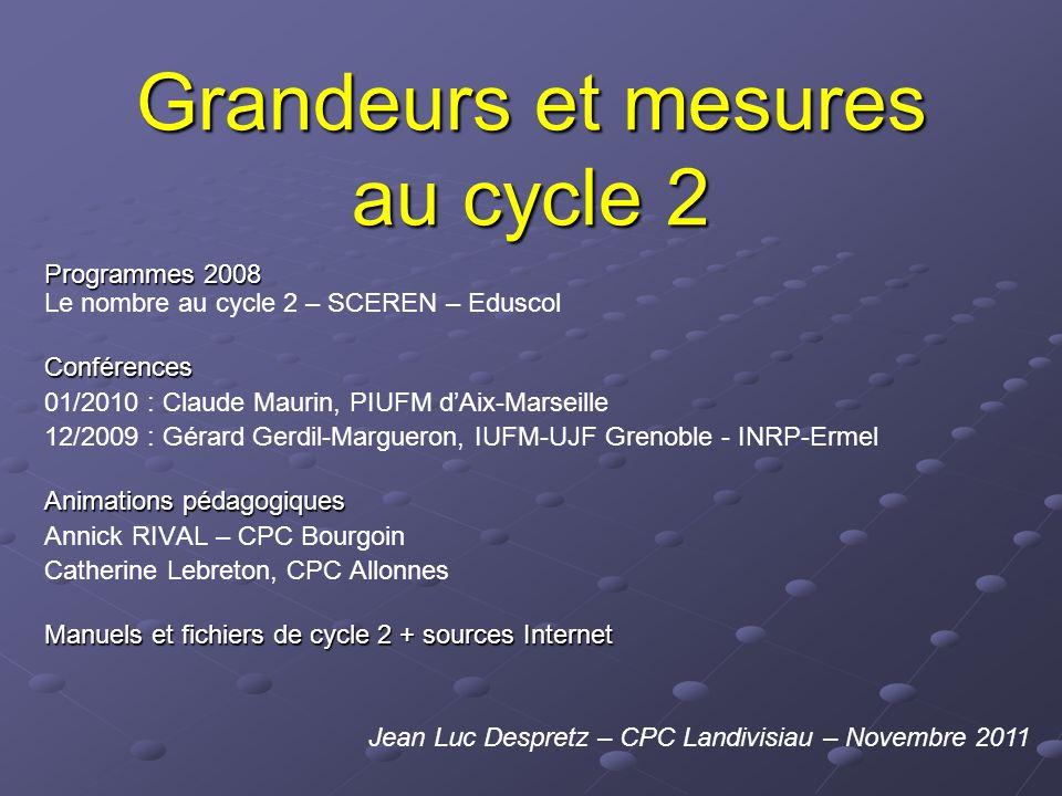 Programmes 2008 Cycle 1 « découvrir les formes et les grandeurs » « en manipulant des objets variés, les enfants repèrent dabord des propriétés simples (petit/grand, lourd/léger).