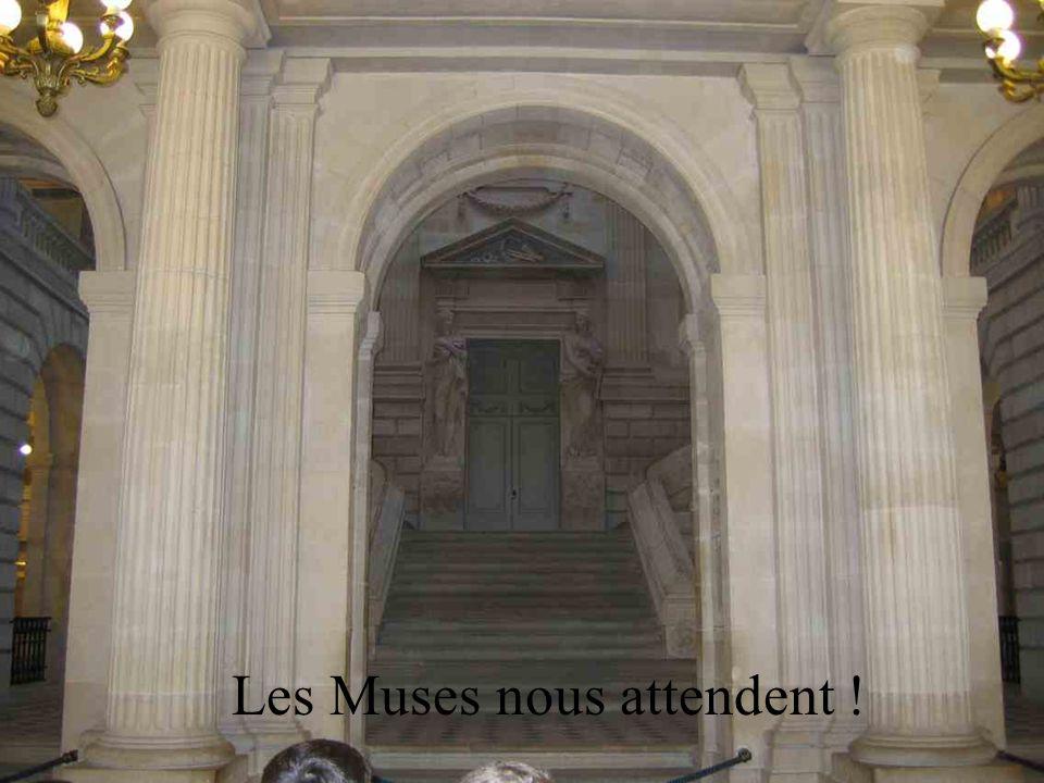 Voici Victor Louis larchitecte du Grand –Théâtre. Il a commencé en 1772- 73. Après plusieurs interruptions et autres difficultés, la construction a re