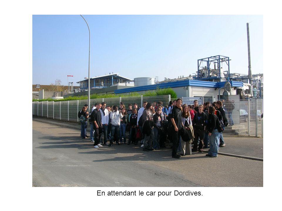 Visite du musée du verre et de ses métiers à Dordives.