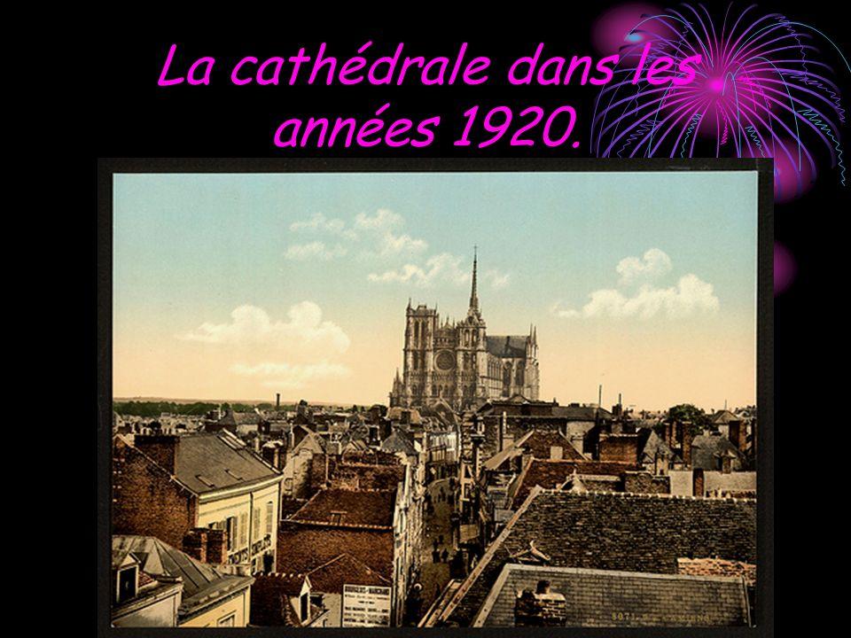 La cathédrale dans les années 1920.