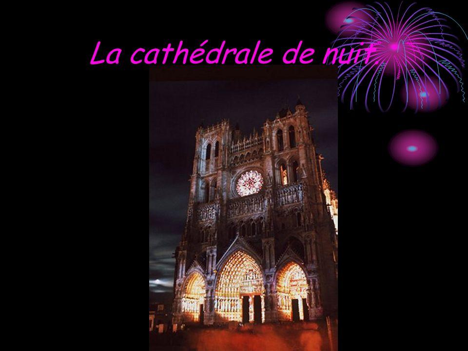 La cathédrale de nuit.