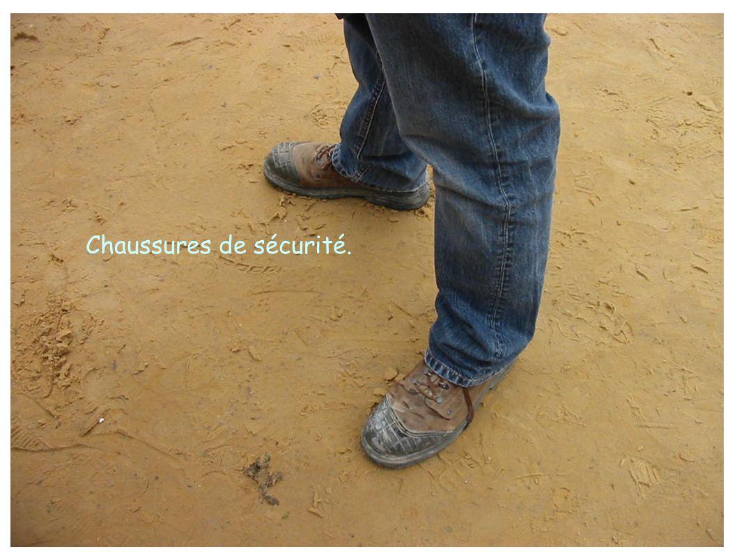 Chaussures de sécurité.