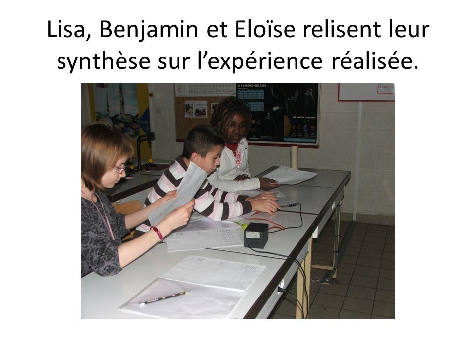 Lisa, Benjamin et Eloïse relisent leur synthèse sur lexpérience réalisée.