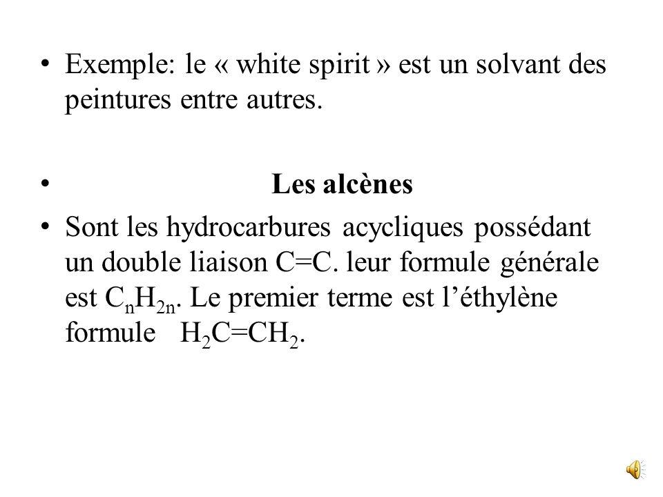 Ces différences sexpliquent par les effets des forces de Vander Waals. Les alcanes ont une densité assez faible (liquides environ 0,7; solides de 0,8
