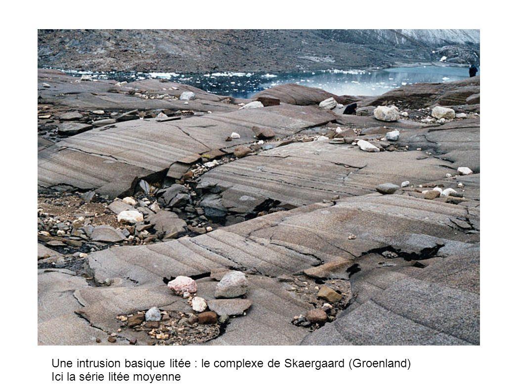 Une intrusion basique litée : le complexe de Skaergaard (Groenland) Ici la série litée moyenne