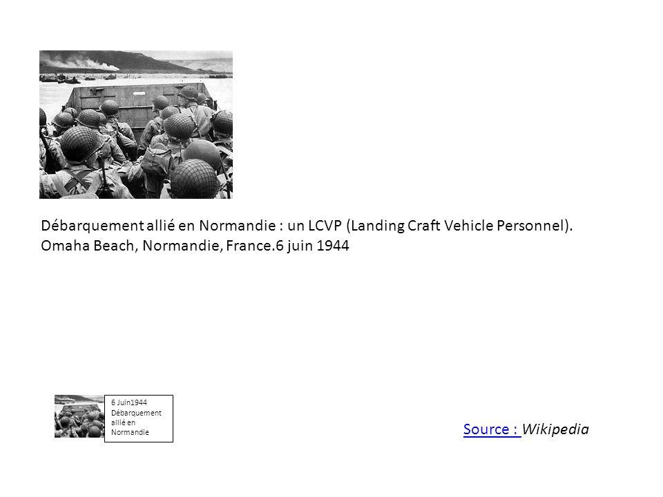 Débarquement allié en Normandie : un LCVP (Landing Craft Vehicle Personnel). Omaha Beach, Normandie, France.6 juin 1944 6 Juin1944 Débarquement allié