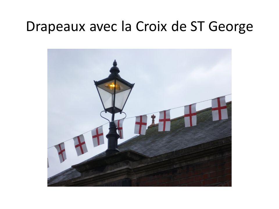Drapeaux avec la Croix de ST George