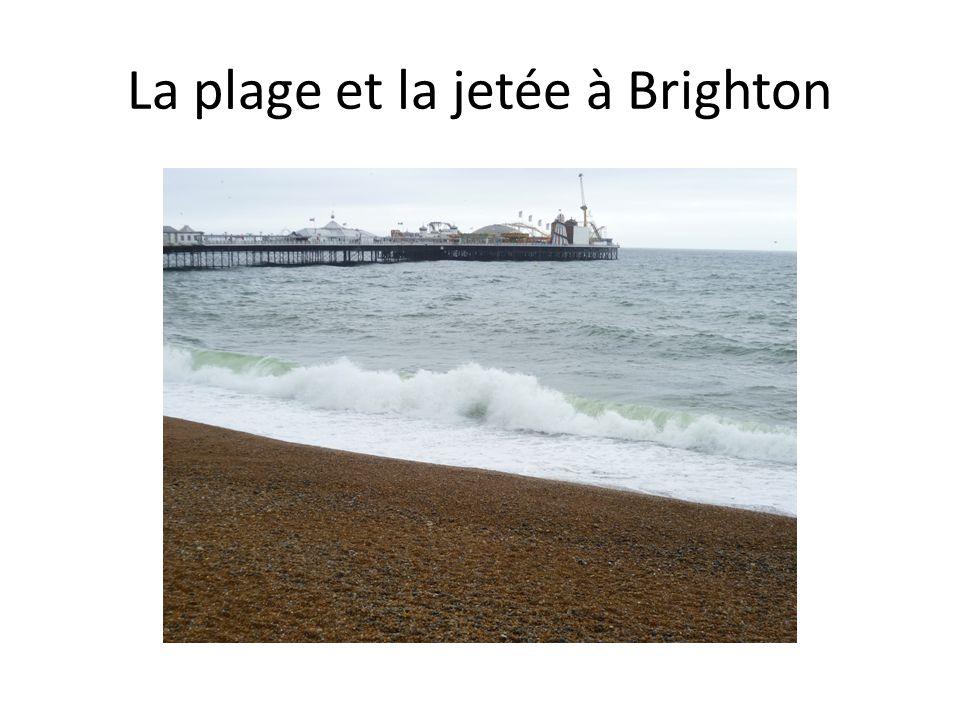 La plage et la jetée à Brighton