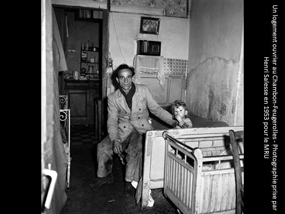 Un logement ouvrier au Chambon-Feugerolles - Photographie prise par Henri Salesse en 1953 pour le MRU