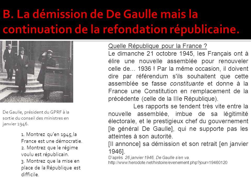 De Gaulle, président du GPRF à la sortie du conseil des ministres en janvier 1946.