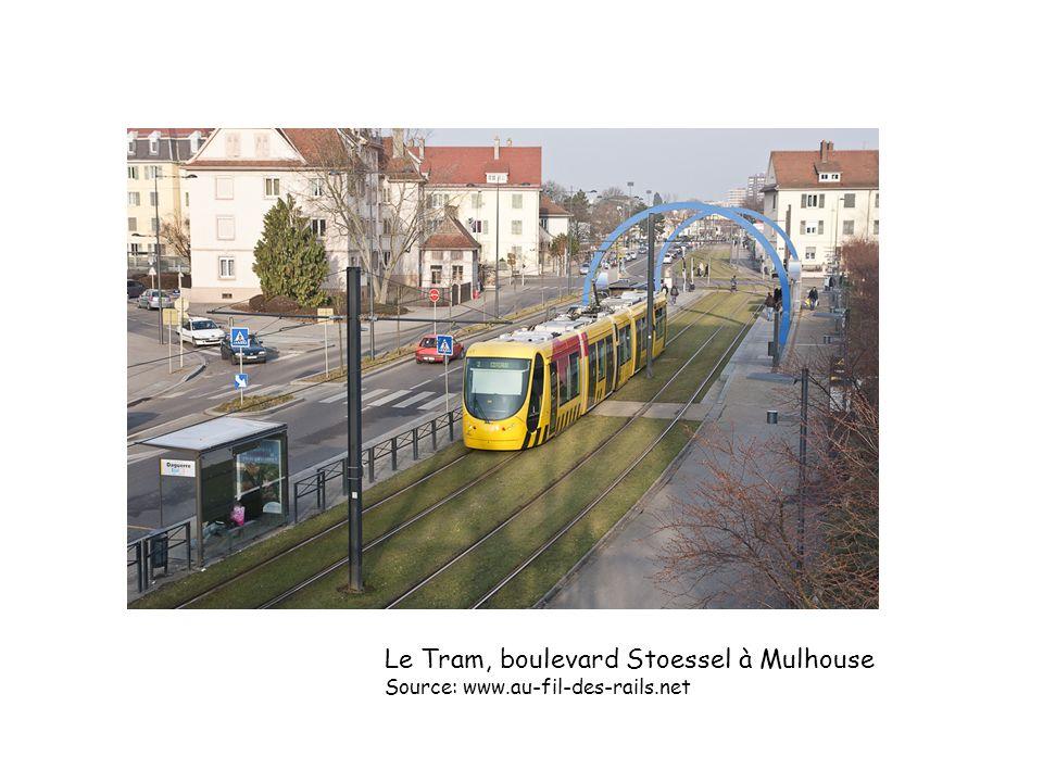 Le Tram, boulevard Stoessel à Mulhouse Source: www.au-fil-des-rails.net