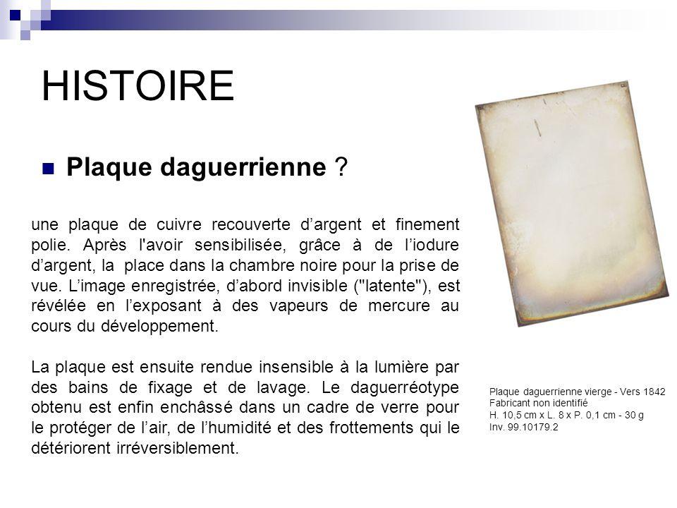 HISTOIRE Plaque daguerrienne ? Plaque daguerrienne vierge - Vers 1842 Fabricant non identifié H. 10,5 cm x L. 8 x P. 0,1 cm - 30 g Inv. 99.10179.2 une