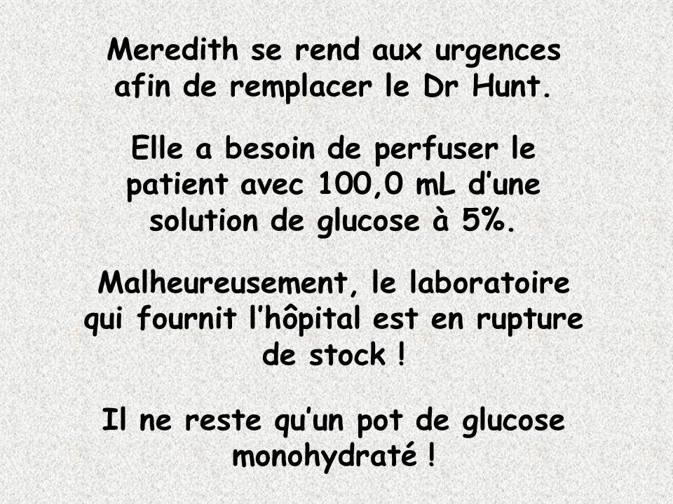 Meredith se rend aux urgences afin de remplacer le Dr Hunt.