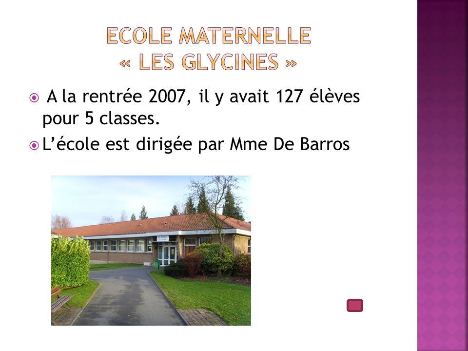 A la rentrée 2007, il y avait 127 élèves pour 5 classes. Lécole est dirigée par Mme De Barros