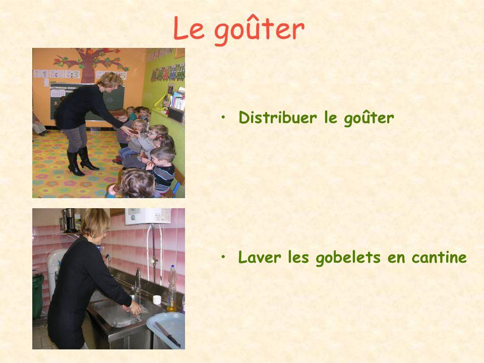 Durant les vacances Laver les jeux des classes maternelles Nettoyer « à fond tout lespace maternel »
