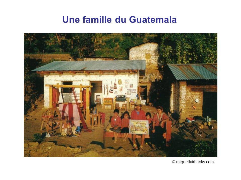 Guatemala Une famille du Guatemala © miguelfairbanks.com.