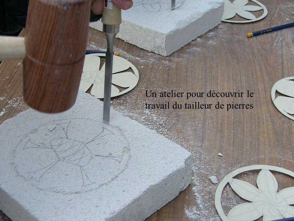 Un atelier pour découvrir le travail du tailleur de pierres