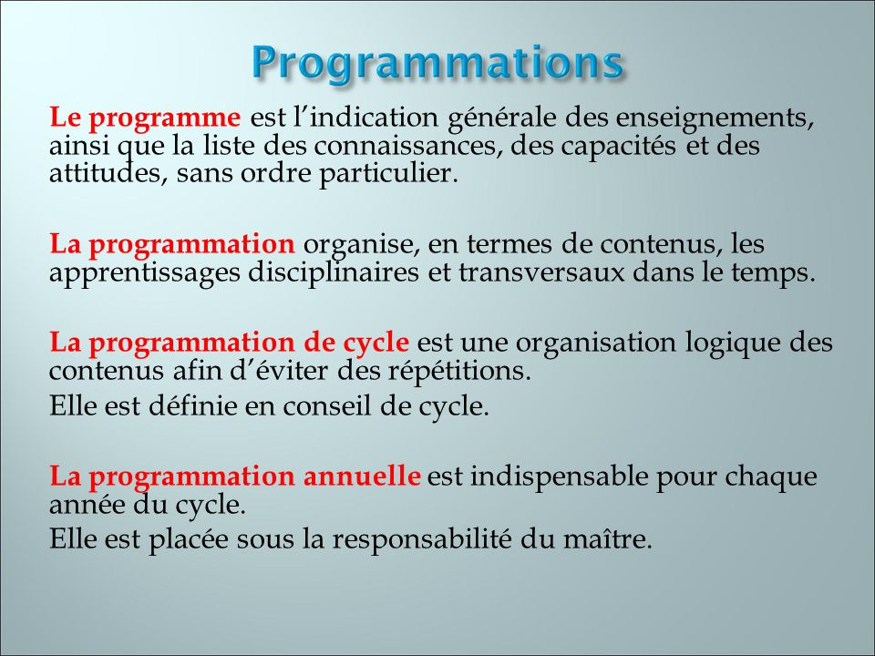 La progression est élaborée en termes ditems et sous-items de compétences.