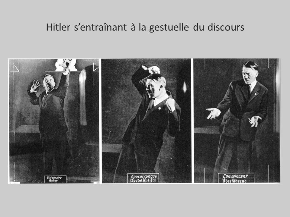 Hitler sentraînant à la gestuelle du discours