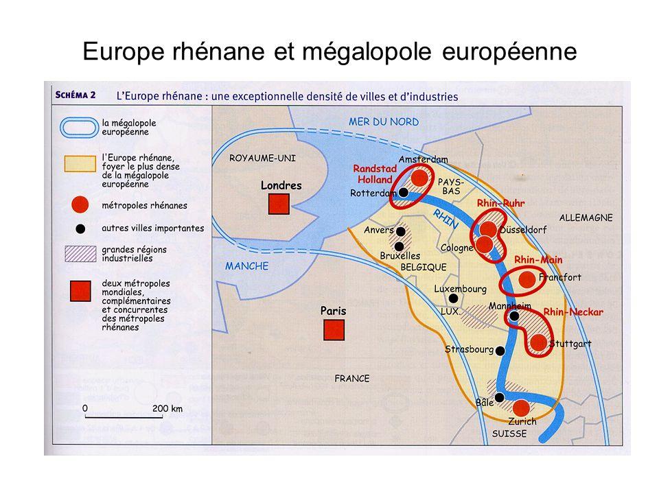 LEurope rhénane I/ Un couloir parcouru par dénormes flux Cette région est un véritable axe méridien qui relie lEurope méditerranéenne à lEurope du Nord-Ouest.