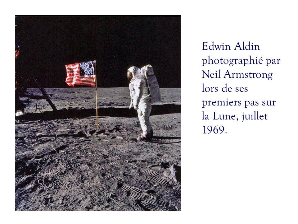 Edwin Aldin photographié par Neil Armstrong lors de ses premiers pas sur la Lune, juillet 1969.