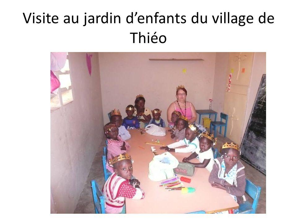 Visite au jardin denfants du village de Thiéo