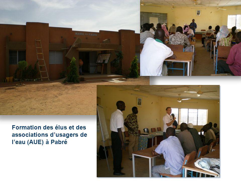 Formation des élus et des associations dusagers de leau (AUE) à Pabré