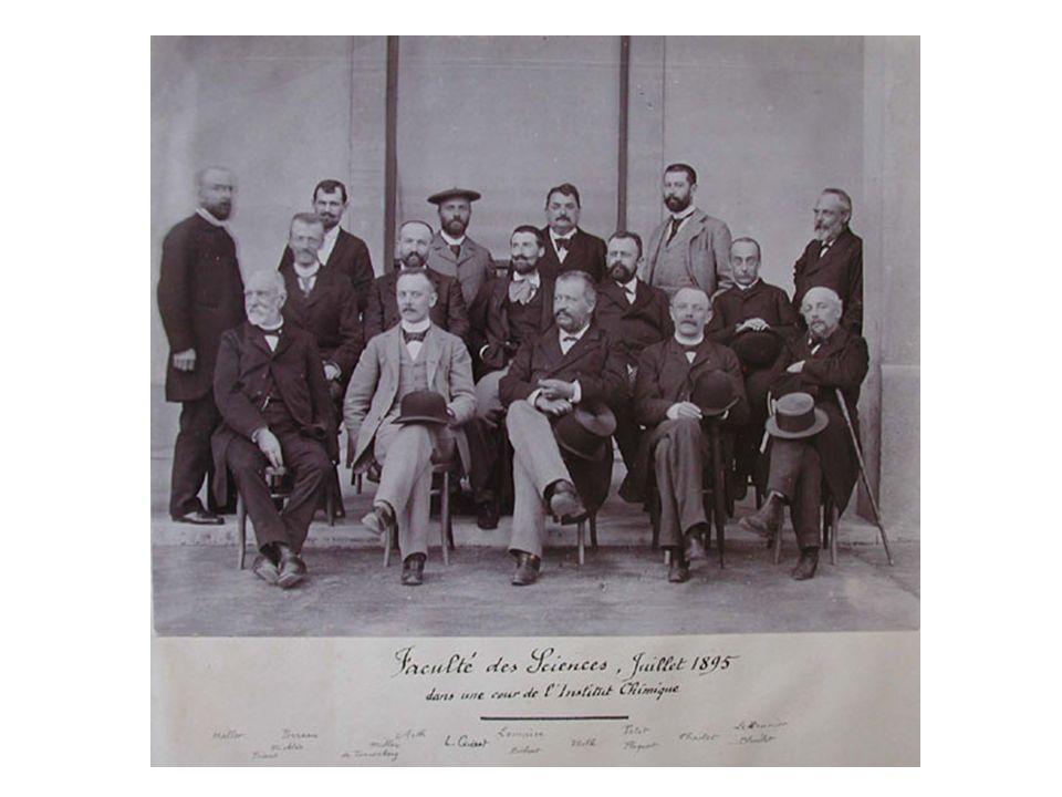 au laboratoire de biologie marine de Roscoff vers 1897...