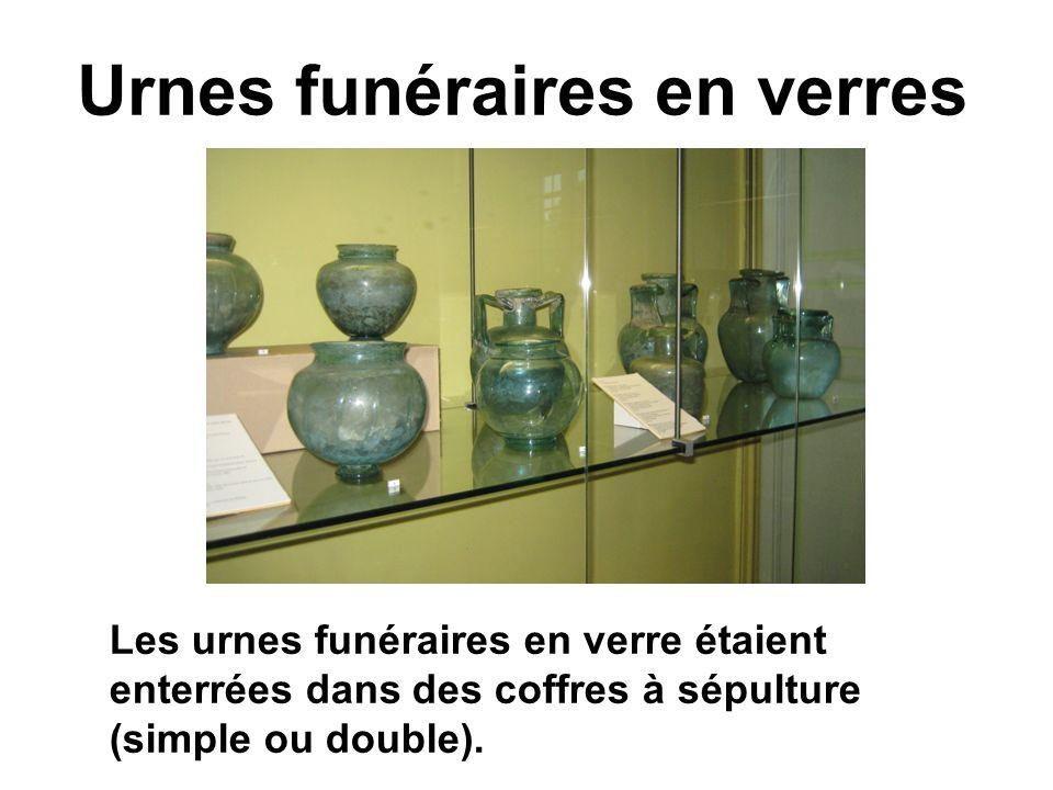 Bijoux Ces bijoux ont étaient fabriqués à partir de métaux : or, argent, bronze,....