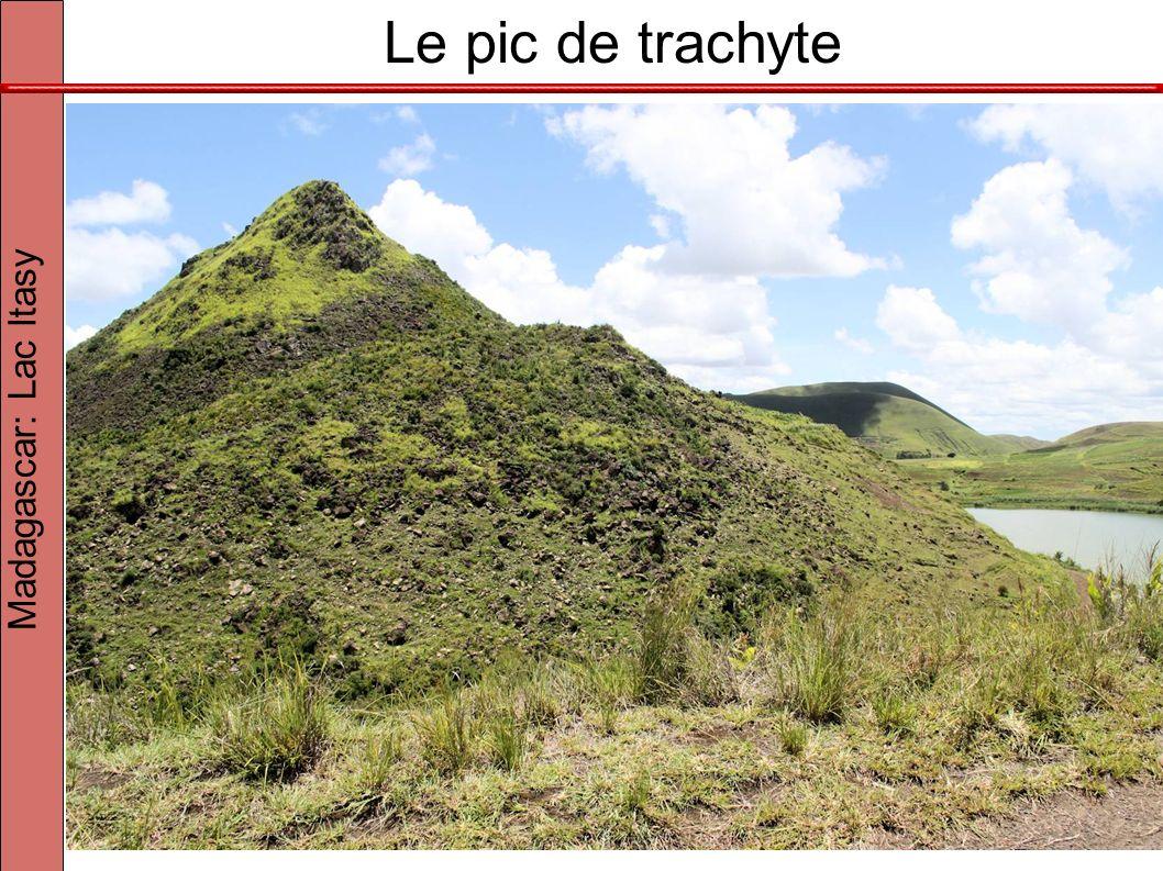 Le pic de trachyte Madagascar: Lac Itasy