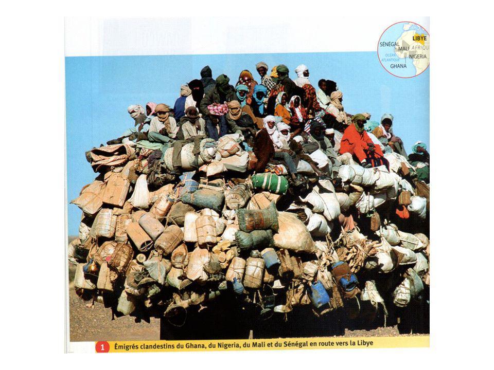 c - Des mobilités aux conséquences multiples Doc 4 : Les conséquences des migrations dans les PVD Selon l OCDE, plus de la moiti é des personnes de haut niveau de formation et de qualification immigrant au nord provenaient des pays pauvres : cela concerne les 2/3 des tr è s qualifi é s en Ha ï ti, le quart des m é decins d Afrique subsaharienne et 20% des sages-femmes du sud qui ont quitt é leur pays pour exercer dans les É tats à haut niveau de vie.