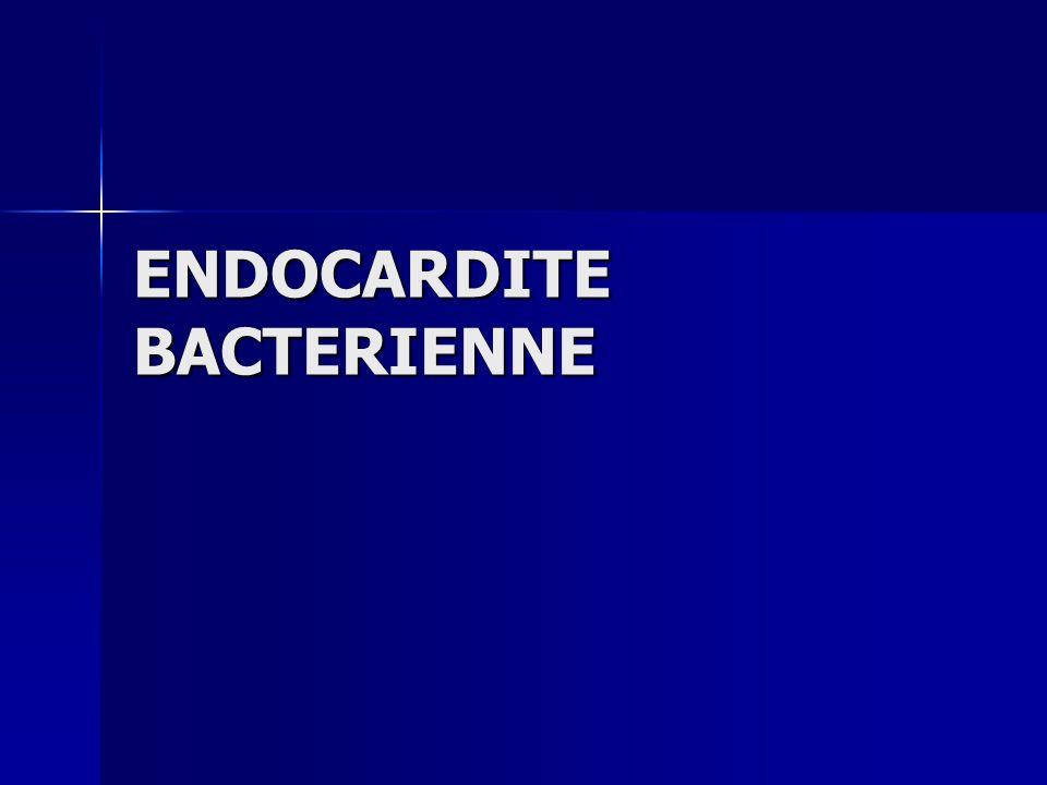 ENDOCARDITE BACTERIENNE MECANISME DES COMPLICATIONS MECANISME DES COMPLICATIONS - Les complications cardiaques, sont soit directement liées à l infection (abcès), soit par mécanisme immunologique (péricardites, myocardites) - Les complications cardiaques, sont soit directement liées à l infection (abcès), soit par mécanisme immunologique (péricardites, myocardites) - Un certain nombre de complications sont dues aux complexes immuns circulants présents dans les endocardites sub-aigues : vascularite,glomérulonéphrite, signes cutanés, arthralgies.