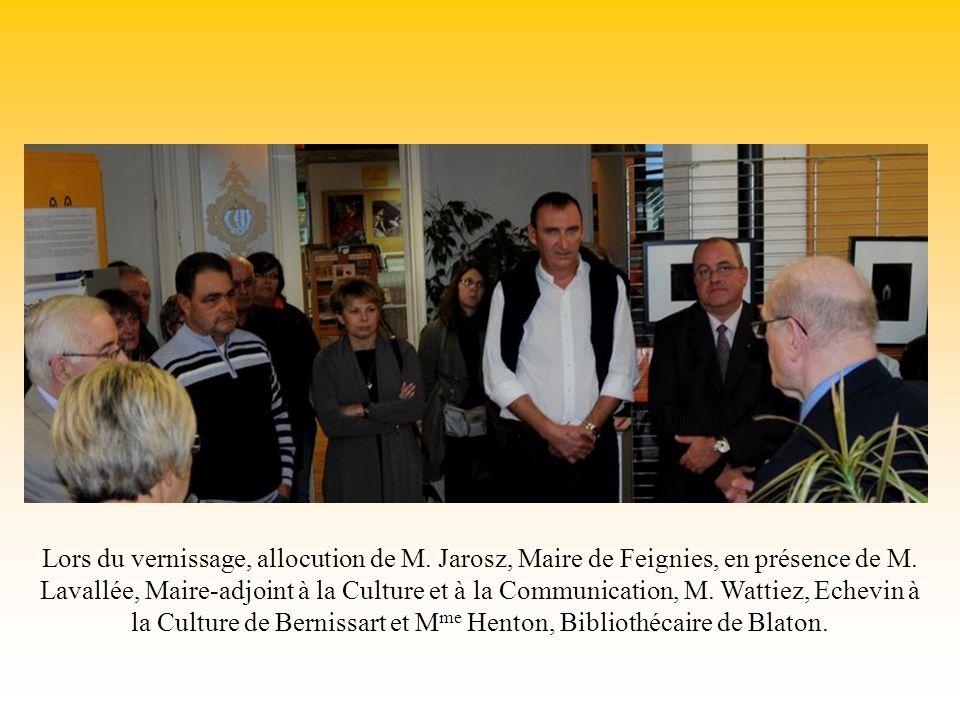 Lors du vernissage, allocution de M. Jarosz, Maire de Feignies, en présence de M.