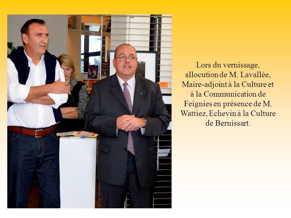 Lors du vernissage, allocution de M. Lavallée, Maire-adjoint à la Culture et à la Communication de Feignies en présence de M. Wattiez, Echevin à la Cu
