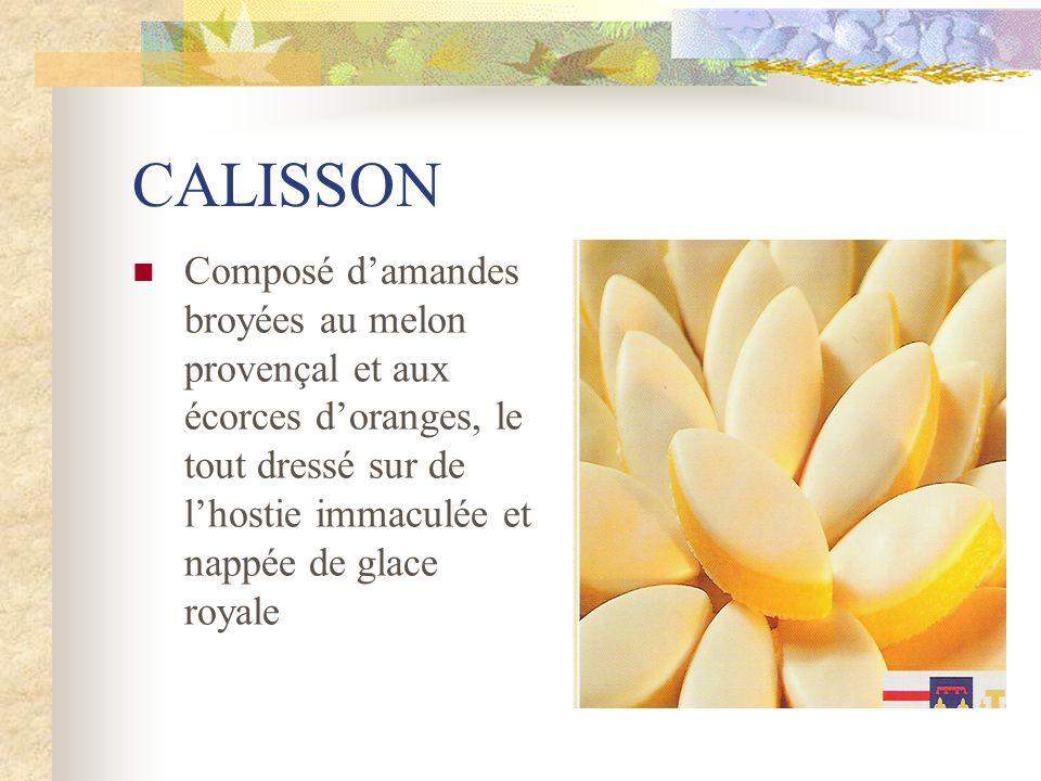 CALISSON Composé damandes broyées au melon provençal et aux écorces doranges, le tout dressé sur de lhostie immaculée et nappée de glace royale