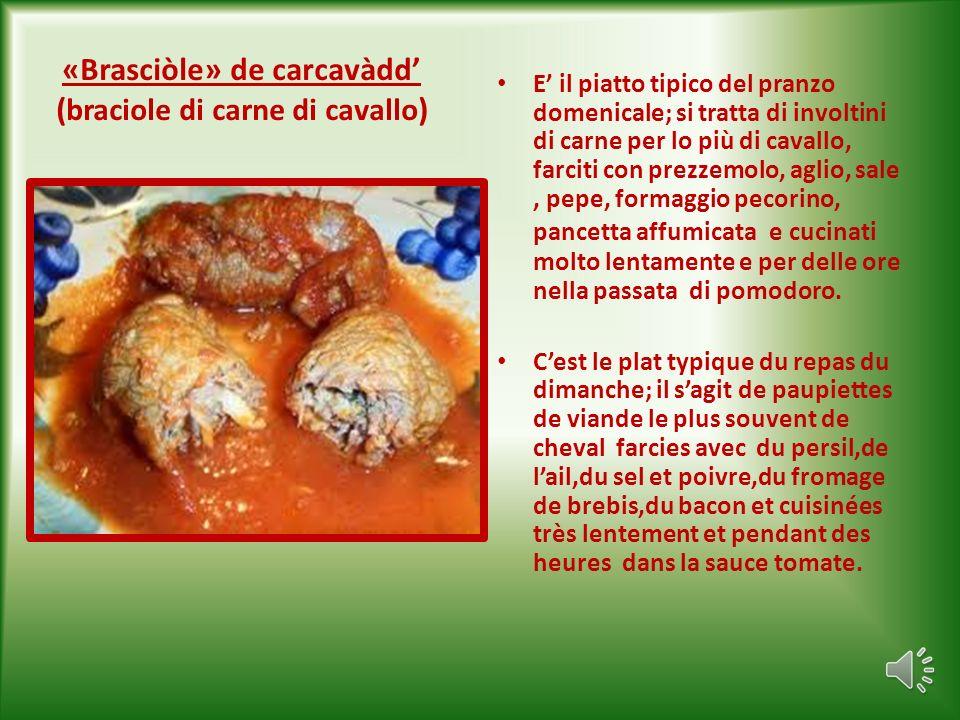 La «zampìn « di Sammichele di Bari. Salsiccia sottile a base di carne bovina, suina e ovina,condita con sale, pepe, pomodoro,formaggio pecorino,prezze