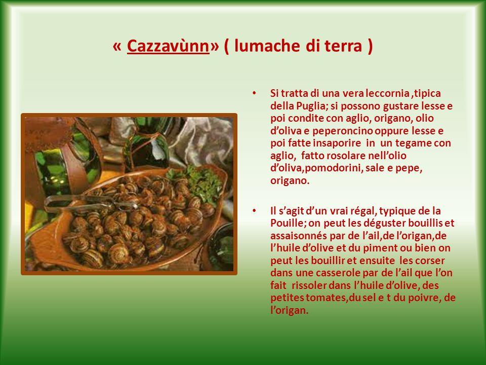 «Salsìzz de puèrc arrestùt « ( salsiccia di maiale arrostita ) E un piatto molto appetitoso, a base di carne di maiale insaccata, sale e pepe, semi di