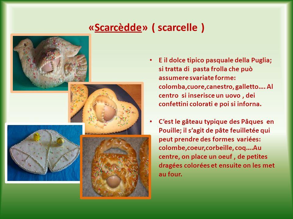 « Sporcamùss» ( sporcamuso) SI tratta di tipici dolci baresi chiamati così perché quando si mangiano sporcano tutta la bocca.Sono dischetti di pasta sfoglia ripieni di morbida crema bollente.