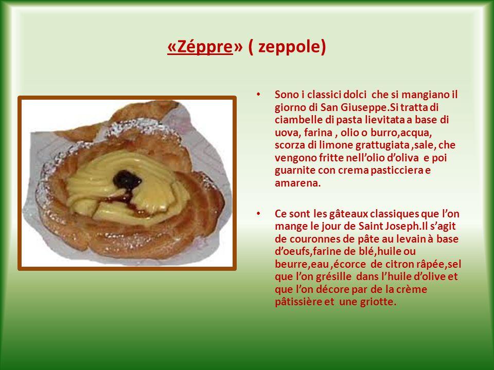 «Taràlle cu scelèppe» (taralli con la glassa ) Altro dolce pasquale pugliese; si tratta di ciambelle a base di uova, farina, zucchero, olio,alcool eti