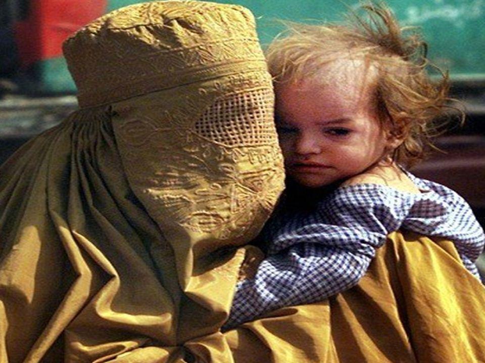 quando una donna è incinta..gli afgani dicono che è ammalata...le mogli partoriscono quasi tutte in casa perchè è proibito loro avere medici uomini...i talebani hanno costruito un muro di cemento per la maternità dove le donne sono allinterno e loro aspettano al di fuori..per parlare con le donne possono farlo solo attraverso delle piccolissime finestre del muro...