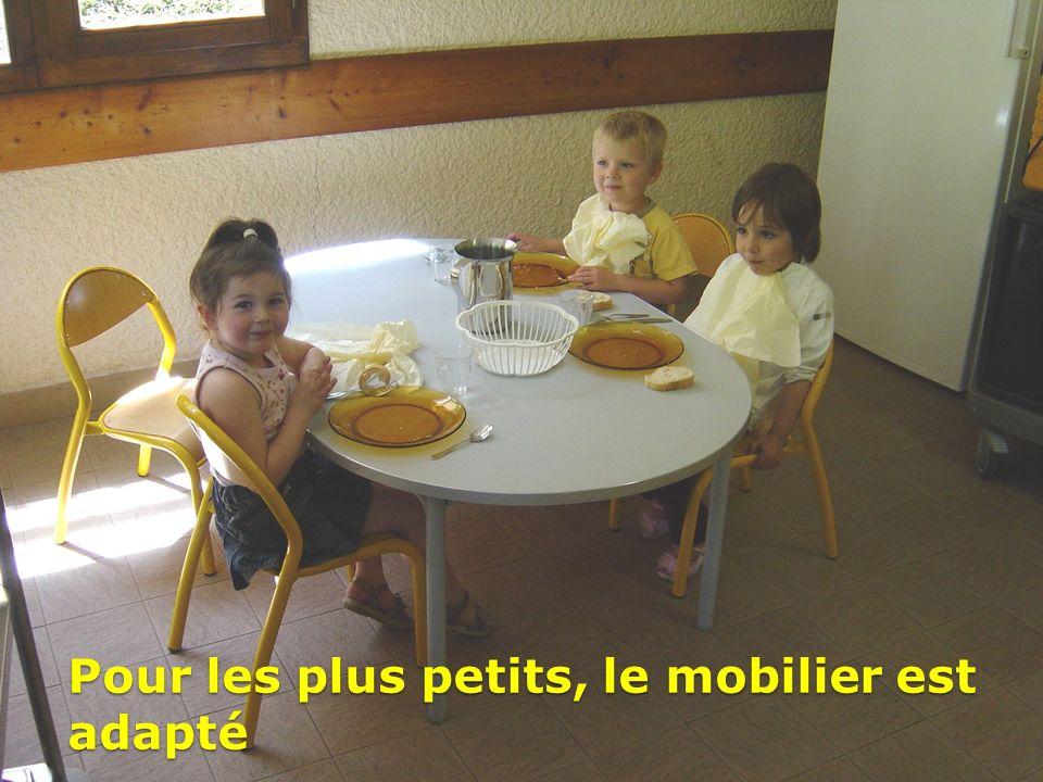 Pour les plus petits, le mobilier est adapté