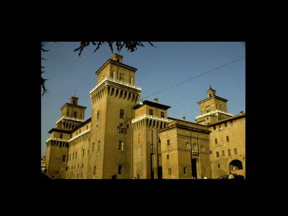 Le château dEste ou château San Michele (14 ème siècle), est le monument le plus important de Ferrare, un édifice en briques à plan carré doté de quatre tours défensives et situé en plein centre de la ville.