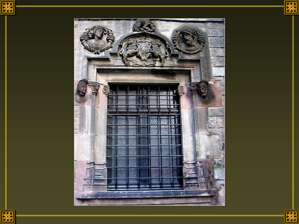 A Barcelone une fenêtre nest jamais banale.
