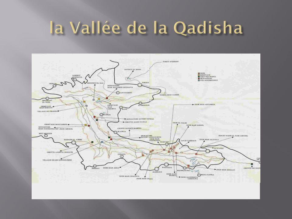 La vallée de la Qadisha possède un important patrimoine religieux, rupestre et bâti.