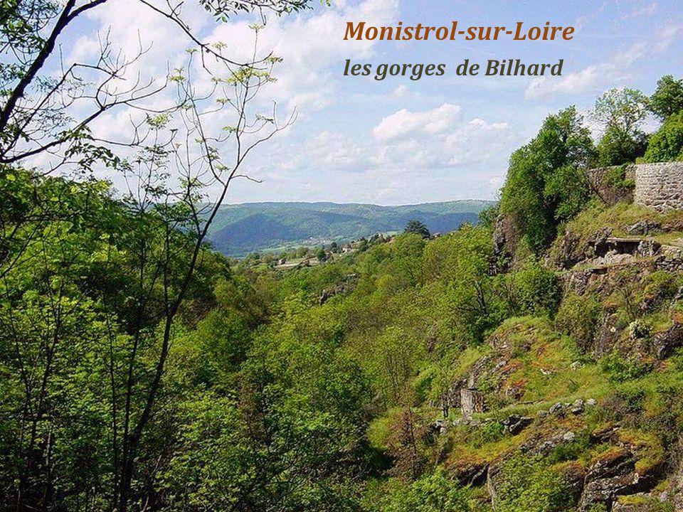 Monistrol-sur-Loire château des évêques-du-Puy, du XIIIe au XVIIIe siècles